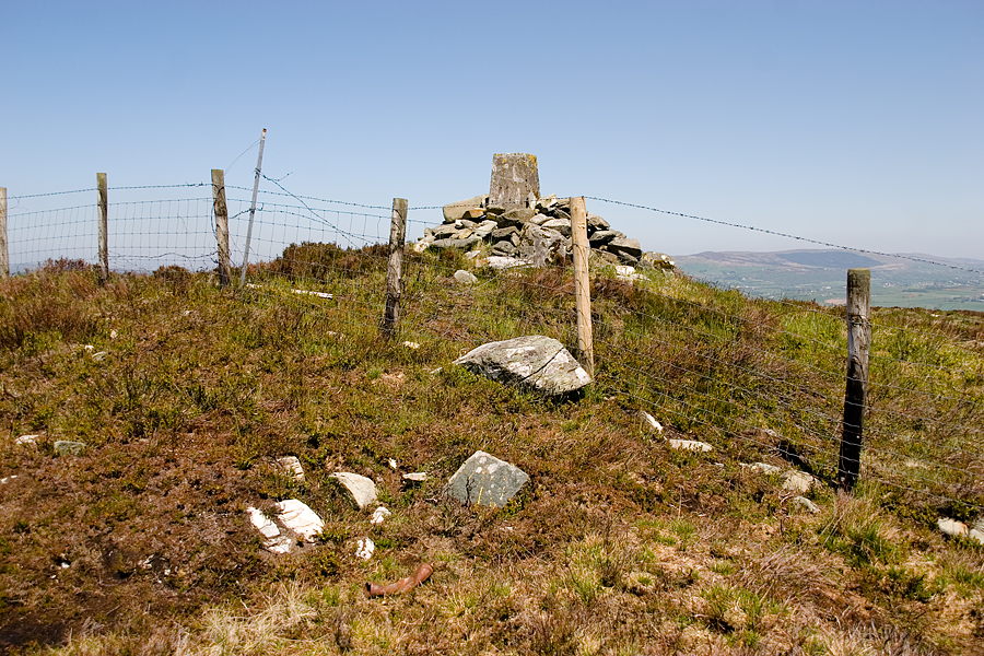 Location of quartz stone with Scalp Mountain in the background